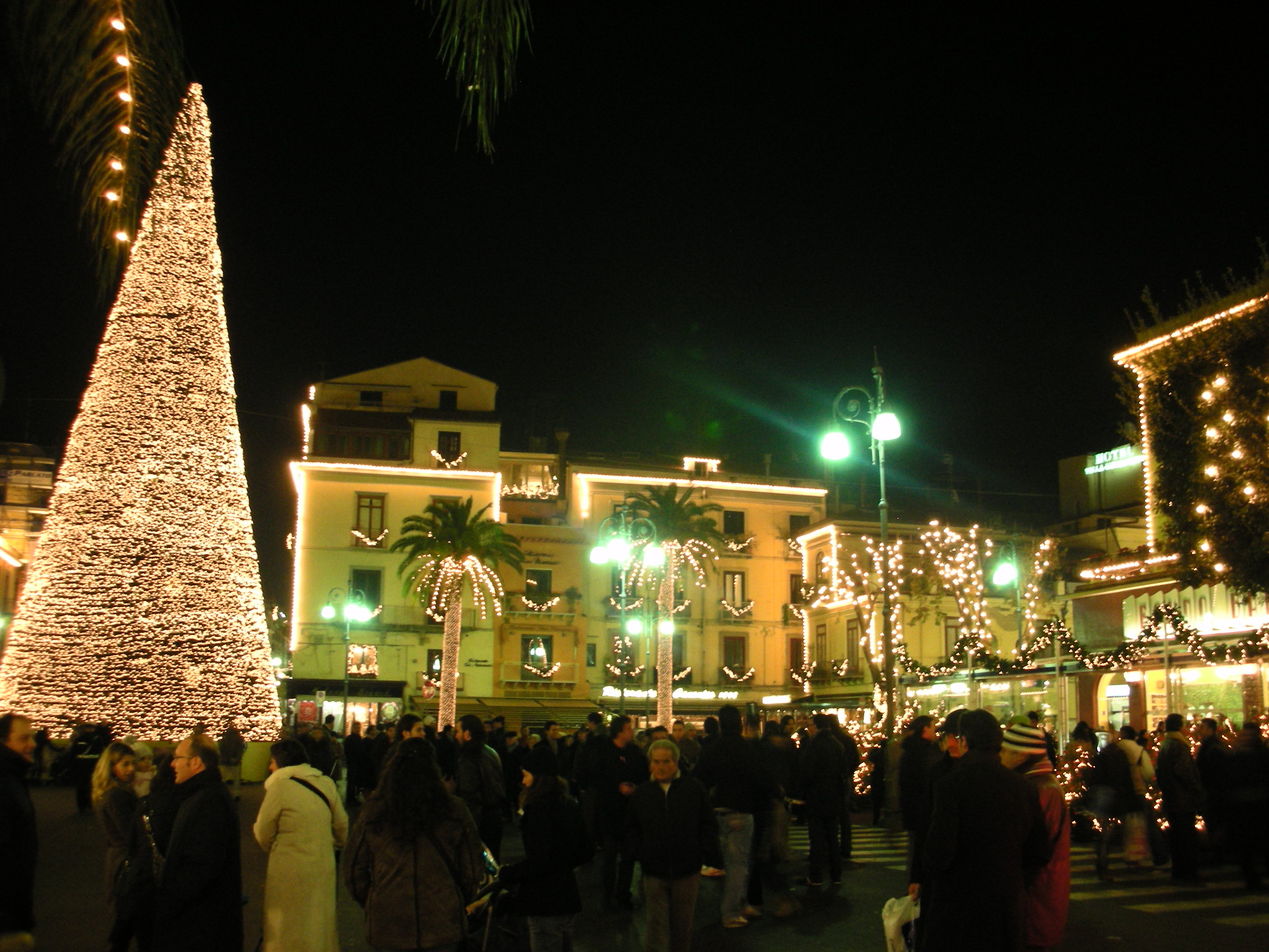 Christmas in Sorrento has a particular charm!